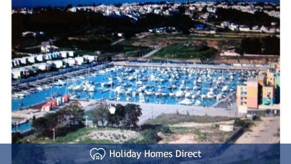New Albufeira marina- 10 mins walk.