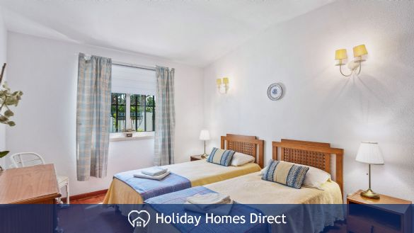 Villa Anderwood two single beds in Portugal