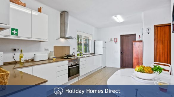 Villa Anderwood fully equipped kitchen