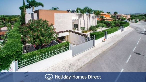 Villa Laguna – 6 bedroom holiday villa in Vilamoura Algarve