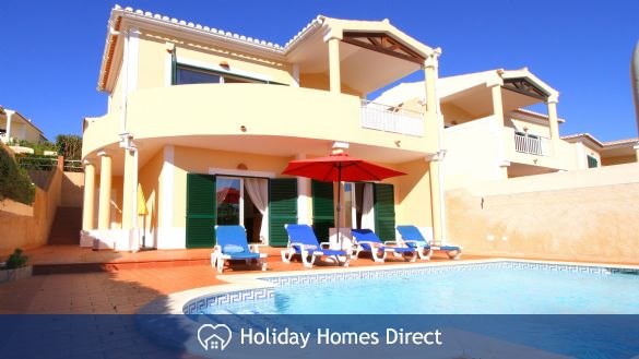 Detached 2-bedroom villa with private pool