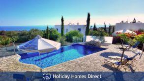 Holiday House Dionysos Deluxe Villa