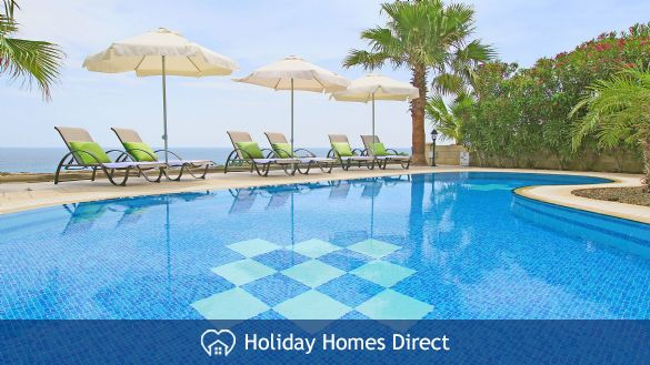 Holiday House CAVNER8