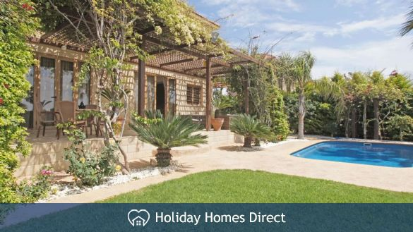 Holiday House ATHPOL1