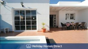 Abbeylara, fantastic villa with private pool & WIFI in Costa Teguise