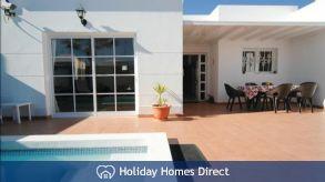 Abbeylara, fantastic villa with private pool & WIFI in Costa Teguise