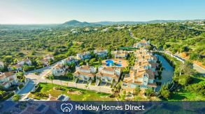 3 Bedroom Townhouse With Pool - Crest Almancil. Luxury townhouses near Quinta Do Lago