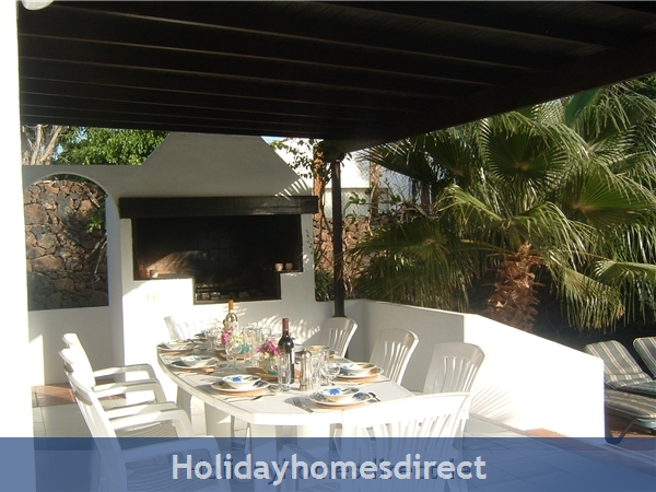 Villa Marcos With Private Pool, Puerto Del Carmen, Lanzarote: Shaded terrace