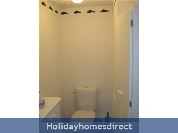 4 Star Apartment: Exclusive, Idyllic, Close To Nature, Pool, South France Coast: Toilet - WC