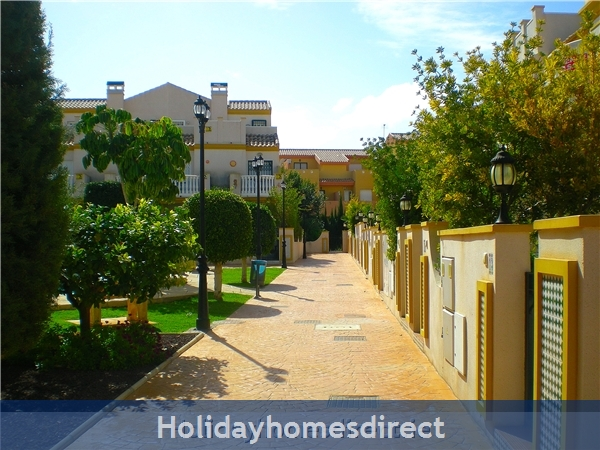 20 Aldeas De Aquamarina Iii, Costa Blanca: inside our community