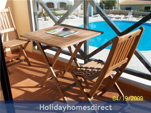 Parque Da Corcovada Luxury 2 Bedroom Apartment, Algarve: Balcony over Pool