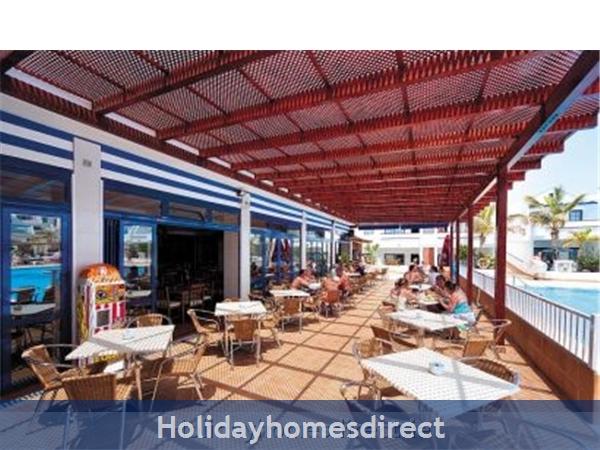16a Cinco Plazas, Puerto Del Carmen: Pool Bar