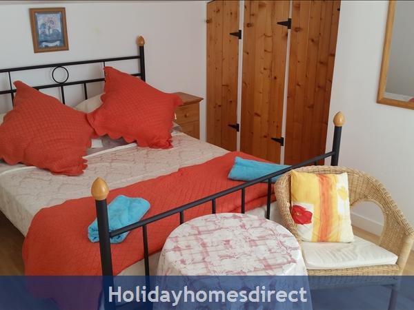 Logis, Gite Holiday Rental: Bedroom with ensuite