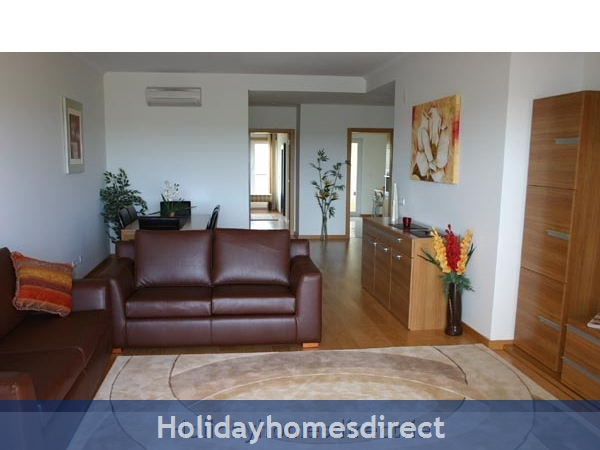 Golf Mar Village, Luxurious 2 Bedroom Apartment, Vilamoura, Algarve, Portugal: Image 5