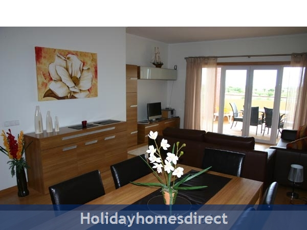 Golf Mar Village, Luxurious 2 Bedroom Apartment, Vilamoura, Algarve, Portugal: Image 2