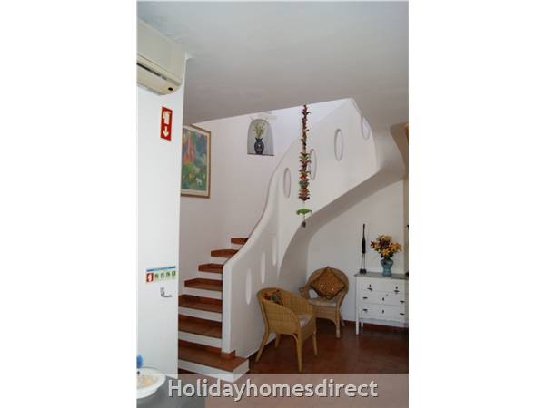 Vila Elizabete Carvoeiro  Al 40133 , Close To Beach With Aircon And Internet Access.: Main Entrance Hallway