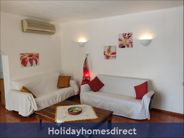 Vila Elizabete Carvoeiro  Al 40133 , Close To Beach With Aircon And Internet Access.: Living Room