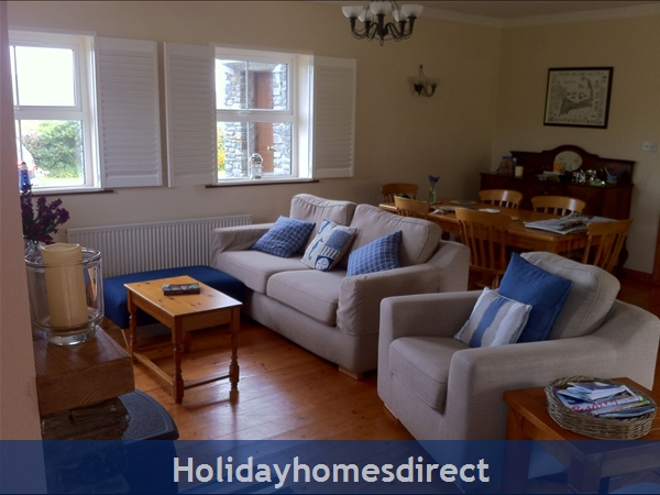 Suaimhneas, Self Catering Holiday Home Schull: Lounge & Dining Area