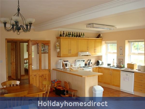 Suaimhneas, Self Catering Holiday Home Schull: Kitchen