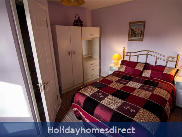 Cottage Mayo, Rock View House. Carracastle Charlestown, Mayo. F45 Pn50: Bathroom