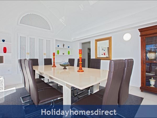 Villa Cartaphilus, Villa Rental Lanzarote , 6 Bedrooms, 4 Bathrooms, Free Air Con/wifi: Villa Cartaphilus Ref 10937 Dining Room