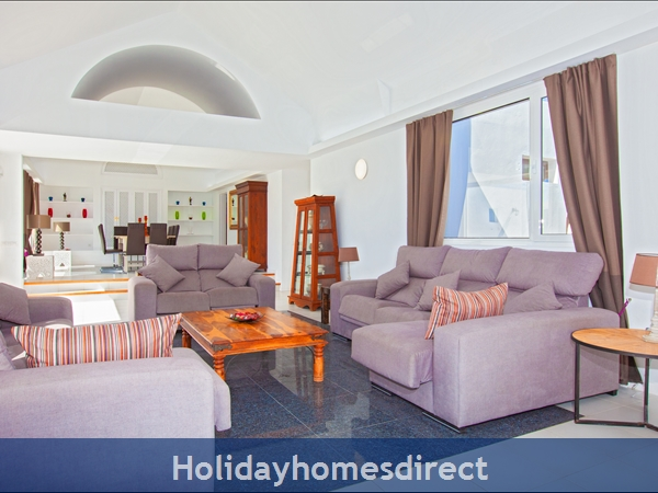 Villa Cartaphilus, Villa Rental Lanzarote , 6 Bedrooms, 4 Bathrooms, Free Air Con/wifi: Villa Cartaphilus Ref 10937 Sitting / TV Area