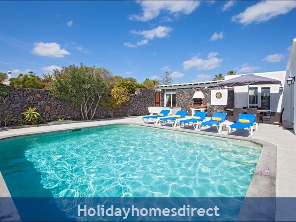 Casa Cristal, Luxury Villa Rental Puerto Del Carmen, Lanzarote, 4 Bedrooms , 3 Bathrooms, Free Air Con/wifi: Villa Cristal Ref 10939 Games Area