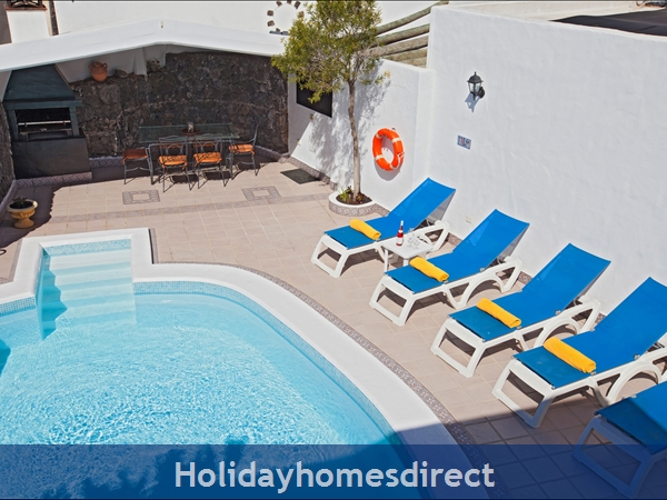 Villa Jessica, Puerto , Sleeps 10, Private Pool, Free Air-con/wifi,games Room: Pool Area
