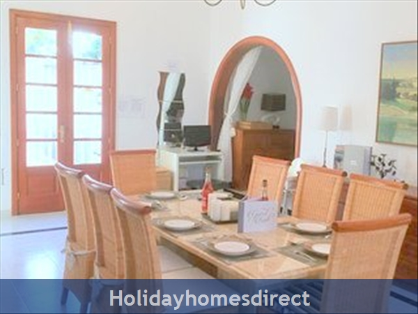 Luxury Tots Safe Villa Visa Accepted Secure Gated Pool Costa Teguise 4 Bed/3 Bath/private Htd Pool/play Area-we Take All Credit Cards For Just 1.5%: Everything young families need to self cater