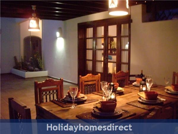 Carlara, Luxurious Designer Villa, Lanzarote: Coffee or Dinner Outdoors?