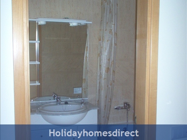 ' Ticks All The Boxes' 29143/al: Bathroom