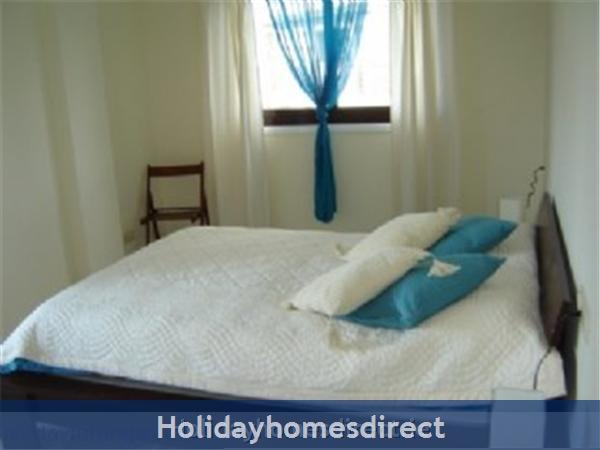 Pine Sun Park, 2 Bedroom Apartment, Albufeira (villamoura Area): master bedroom