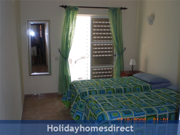 Maralvar, Large 2 Bedroom Apartment, Alvor: Image 6