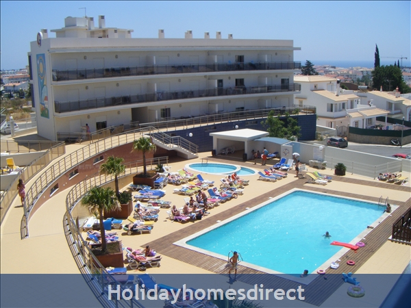 Albufeira Solario De Sao Jose, 3 Luxury Apartments From €450 A/w  Free Squash Court,free Gym, Games Room, Swing Park,bbq's On The Roof And A Sauna: Both overlooking the pool