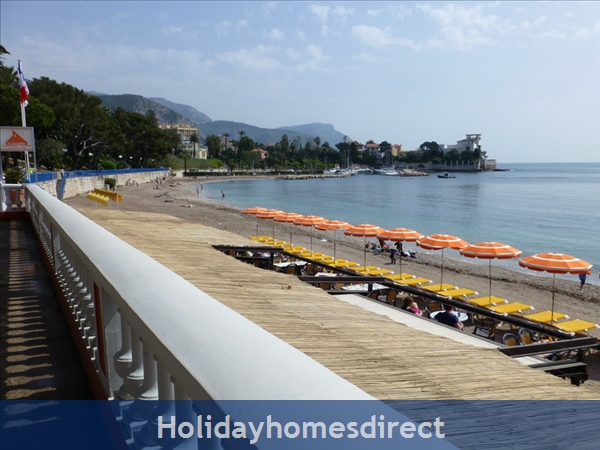 Beaulieu Sur Mer, Accommodation Cote D'azur: The beach is just 3 minutes walk away
