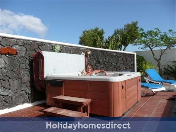 Villa Ani-lee, Villa In Tias: hot tub