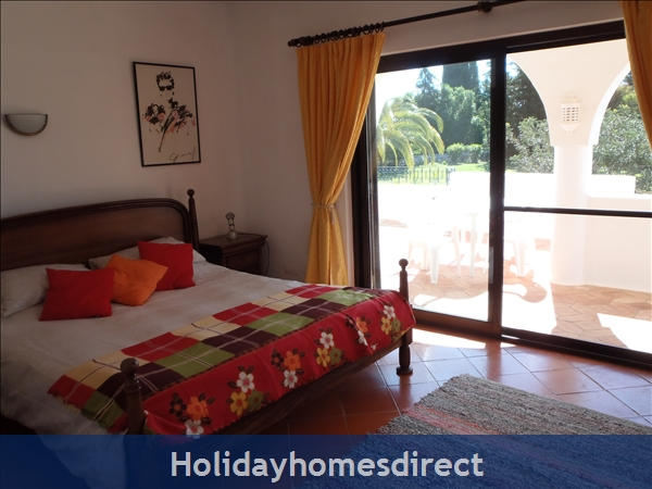 Beautiful Apartments With Heated Pool,quiet Countryside Close To Lagos And Beach.: Upstairs double bedroom