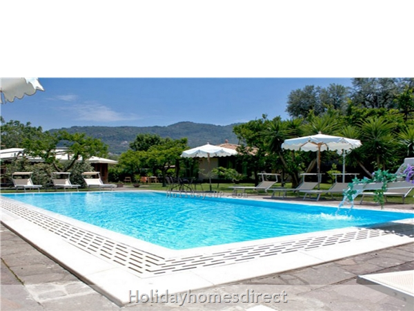 Casa Sorrento apartment with shared pool close to sorrento town center