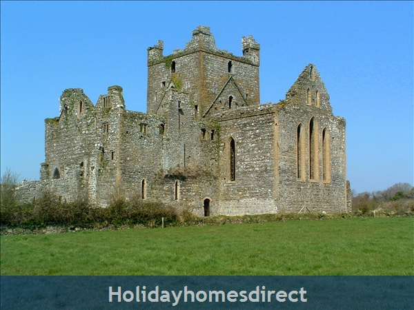 Dunbrody Abbey has a Visitor Centre