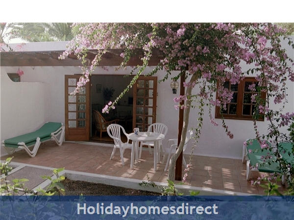 Las Brisas Villa With Gorgeous Shared Pool, Playa Blanca: Terrace