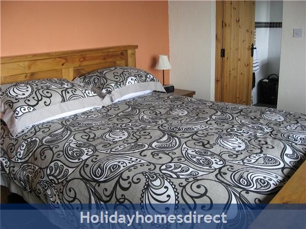 Self Catering Waterville, Kerry: Main Bedroom
