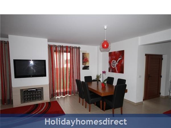 Vista Da Lagoa, Obidos , Silver Coast: Open plan living area - dining room