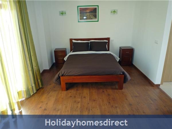 Vista Da Lagoa, Obidos , Silver Coast: Double Bedroom with ensuite  - upstairs