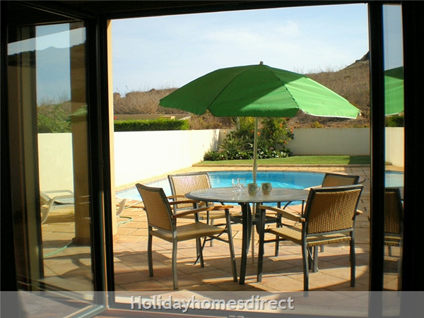 Domus Iberica Casa 2. Burgau.  With Private Pool, Sea View And Walk To The Beach !: Sunny Patio to relax and forget your cares!