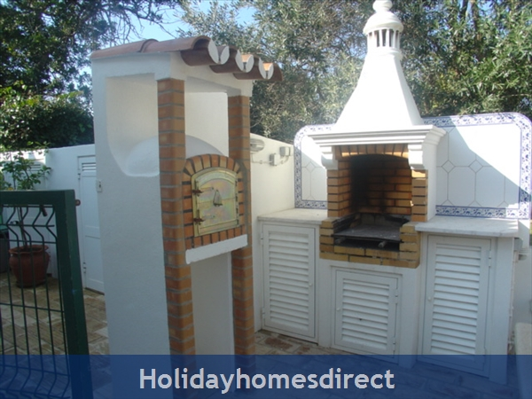 Casa Romantica Near Albufeira With Private Heatable Pool And Free Wireless Internet: BBQ and Bread Oven