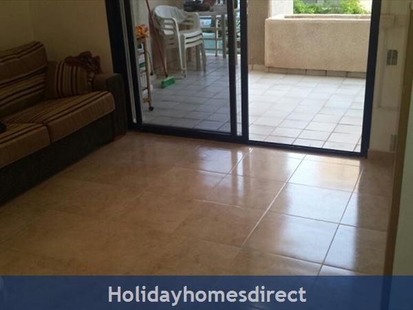 Gran Playa: New living area tiles