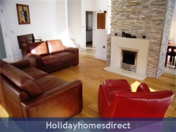 Hook View - Luxury Holiday Home In Dunmore East, Co. Waterford: Sitting Room