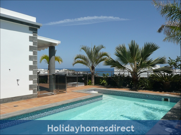 Villa Loretta with private pool, Puerto del Carmen Old Town, Lanzarote