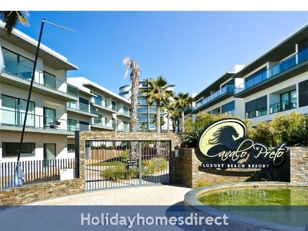 Stunning 1 Bedroom Apartment (303b) Located Cavalo Preto Beach Nr Restaurants, Bars, Golf Courses, Water Parks Of Quarteira & Vilamoura.: Cavalo Preto beach Resort