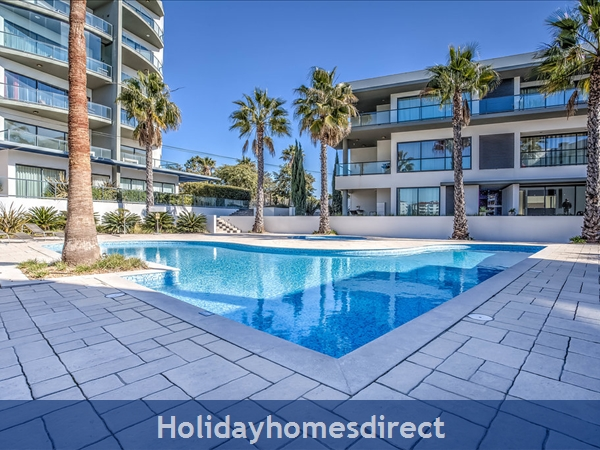 Stunning 1 Bedroom Apartment (303b) Located Cavalo Preto Beach Nr Restaurants, Bars, Golf Courses, Water Parks Of Quarteira & Vilamoura.: Pool Area